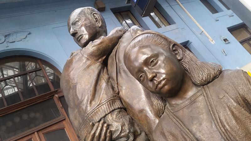 nicholas Winton monument at prague main train station